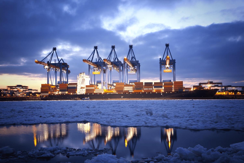 Containerterminal_1500pxtiny_123rf18886817_ml